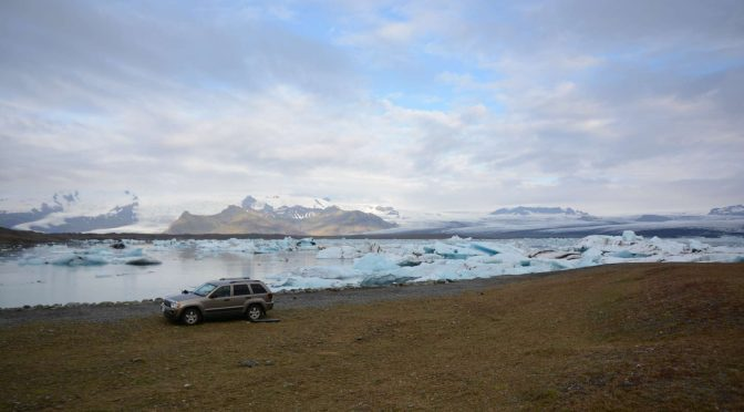 Jökulsárlón glacier lake, boat tour, Fjallsárlón, camping with the midnight sun